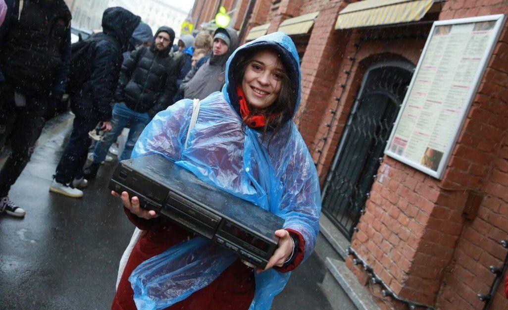 Яндекс Станция Мини: полный обзор девайса